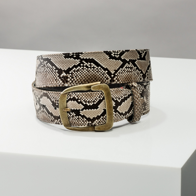 Claris Virot: Diamond Belt Bonnie - Hiphunters Shop