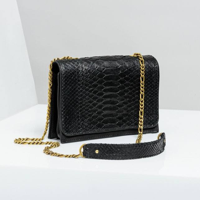 Claris Virot: Bag Anna Black Gold Chain - Hiphunters Shop